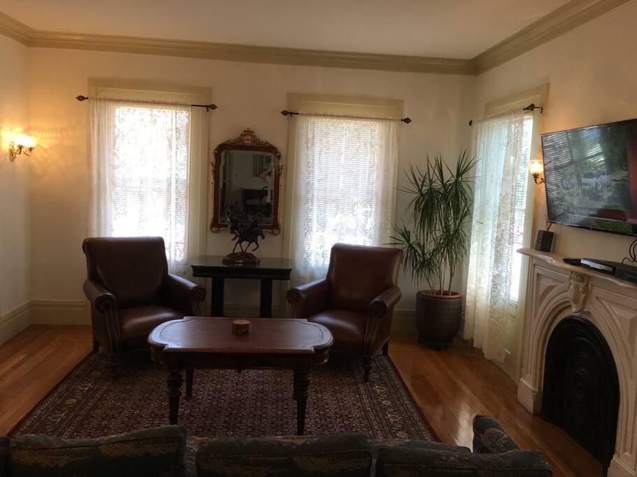 Living Room/Den