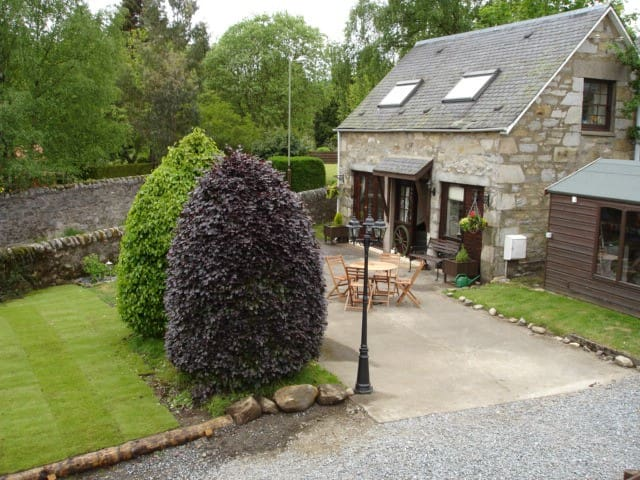 The Old Coach House - Pitlochry - Dům