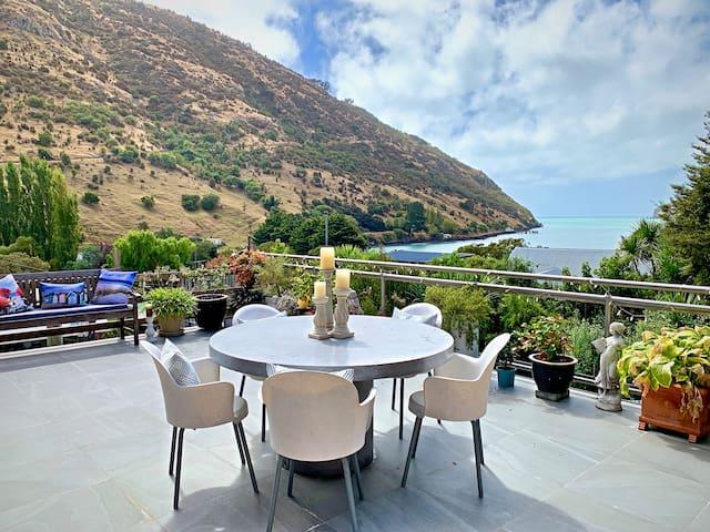Whero Lodge with panoramic sea views