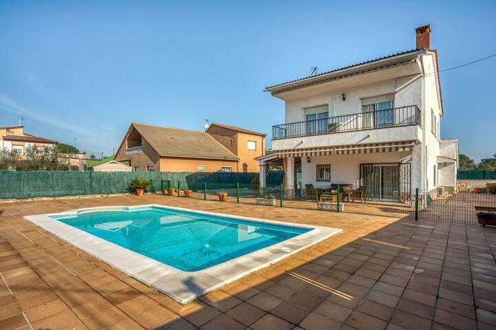 Scenic Villa in Fogars de la Selva with Swimming Pool