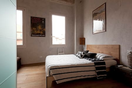 S. Ambrogio Art Studio wifi free