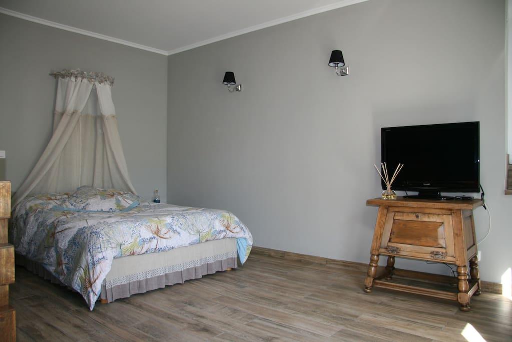Spatieuse chambre d 39 h te terrasse petit d jeuner - Chambre bien decoree ...