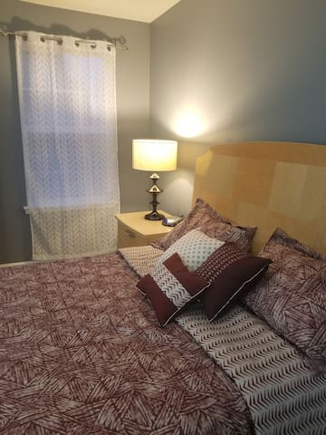 Private Queen bed haven for professionals near CLT