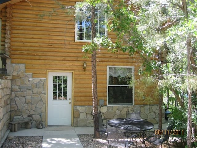 Visit Zion & Bryce from this Cabin. New Listing! - Glendale