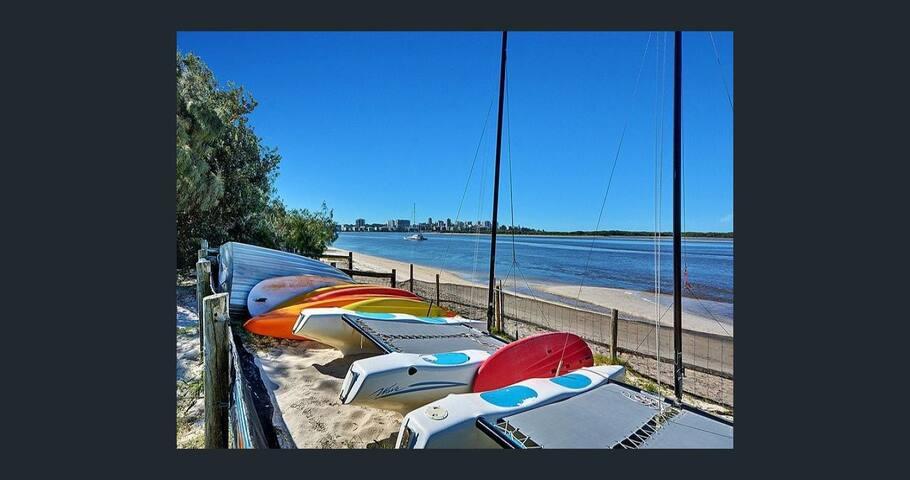 Beach House/Prime position/ Golden Beach - Golden Beach