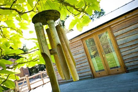 Luxury Forest Retreat in Wye Valley with Hot Tub