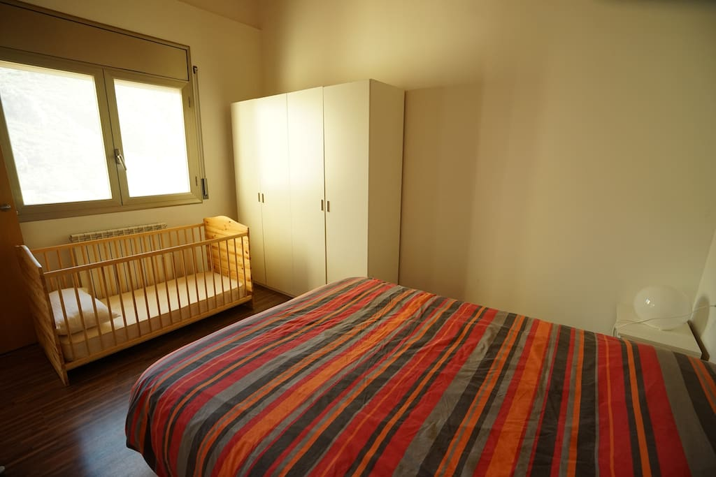 room with children bed