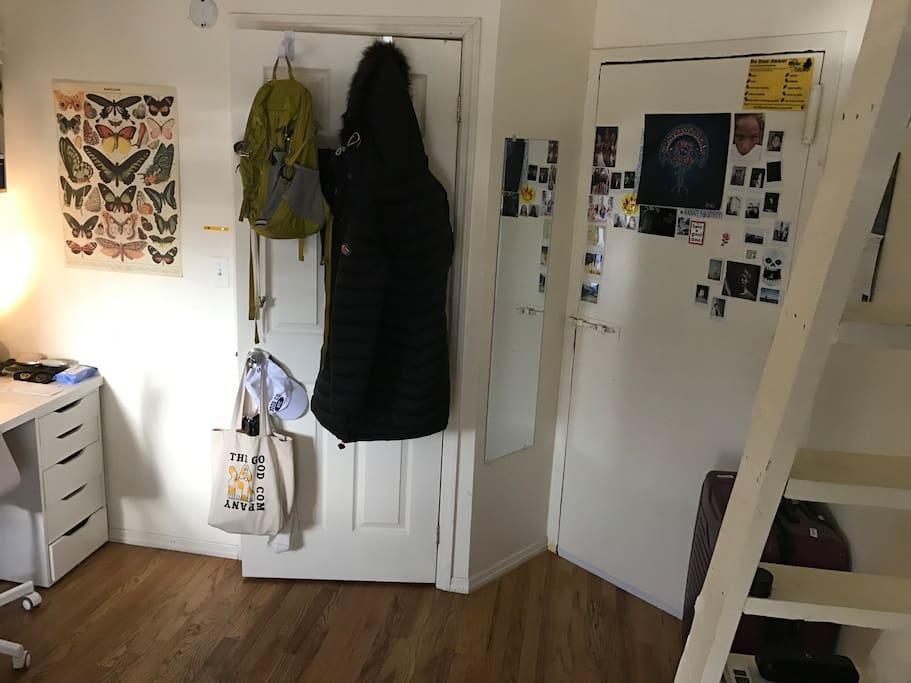 additional door leading to hallway