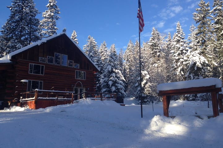 Elkhorn Mountains Bed & Breakfast Family Bundle