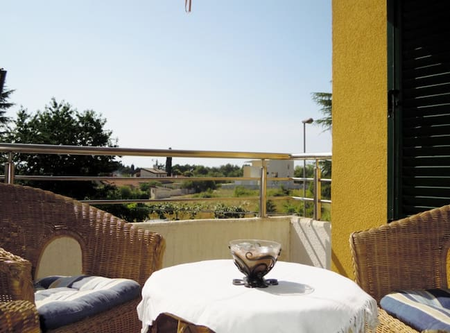 Lina a cosy aprtment 100 m from the beach! - Lovrečica