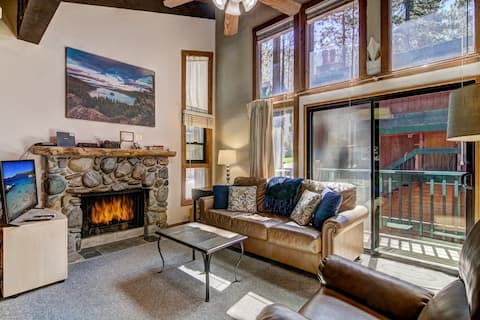 OPEN! Cozy 2BR Condo w/Fireplaces close to Lake!