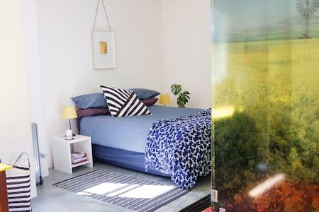 Creative Studio Apartment in Great Location - Kapstaden