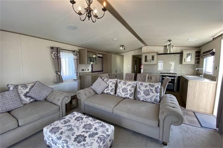 Immaculate Caravan - Birchington Vale Holiday Park