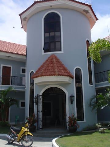 Castillito de Banga Lodge....Room 4 - Banga - Villa