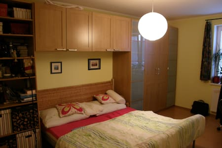 Special and quiet room 30 min to the centre PRG - Únětice - 아파트