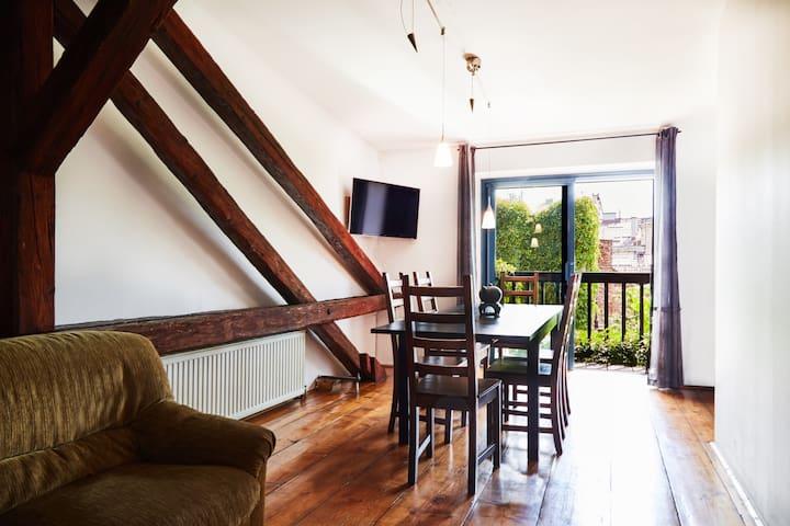 4 bedroom BIG loft with nice balcony