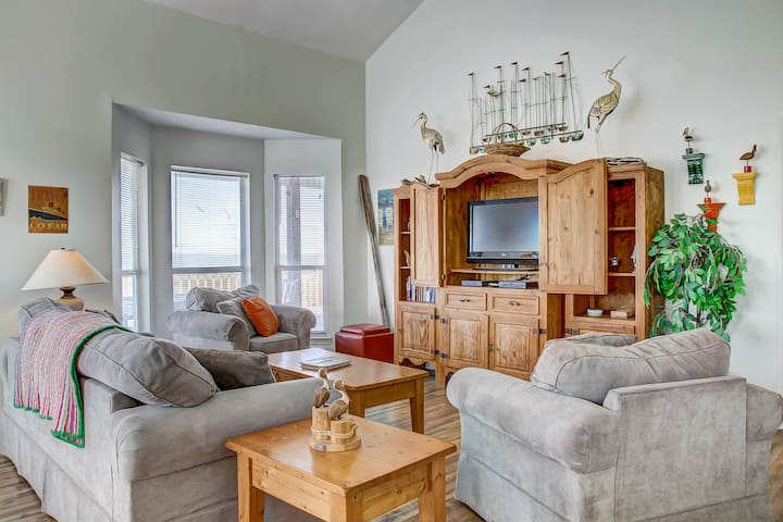 NEW LISTING! Dog-friendly beach house w/fantastic location, access to water
