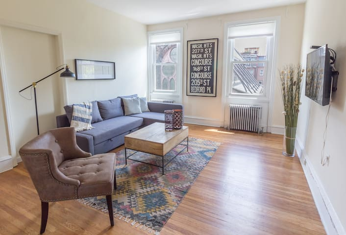 Rittenhouse 2BR Brownstone w/ View