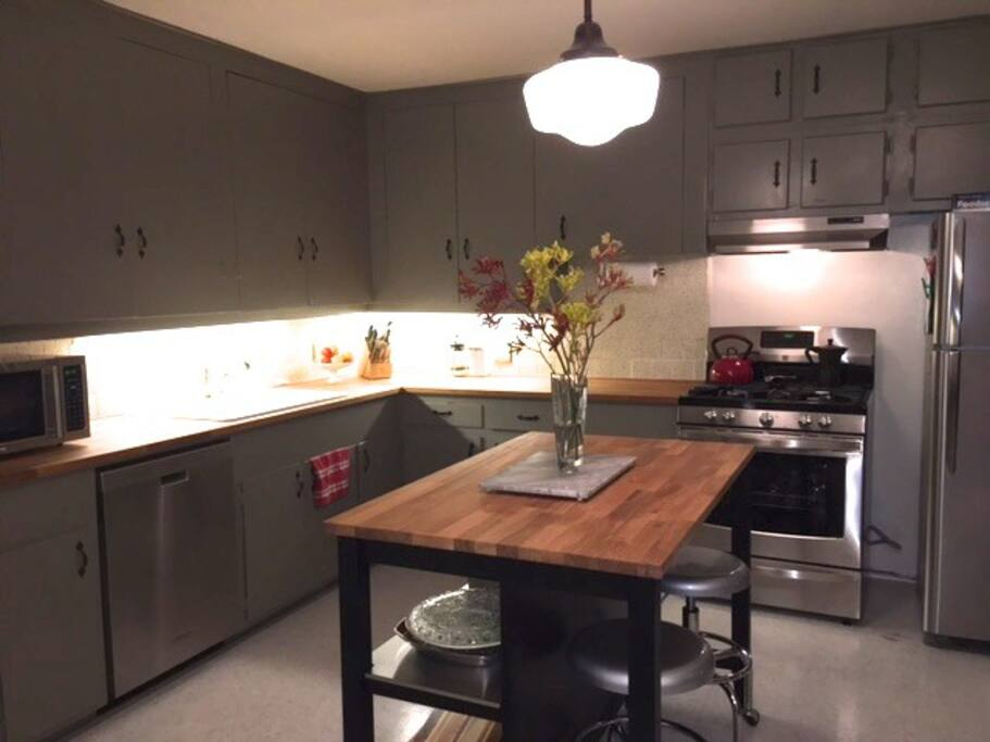 Newly remodeled kitchen with all the amenities