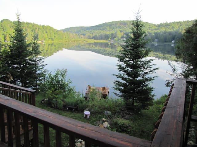Lake Front Cottage Gatineau Hills