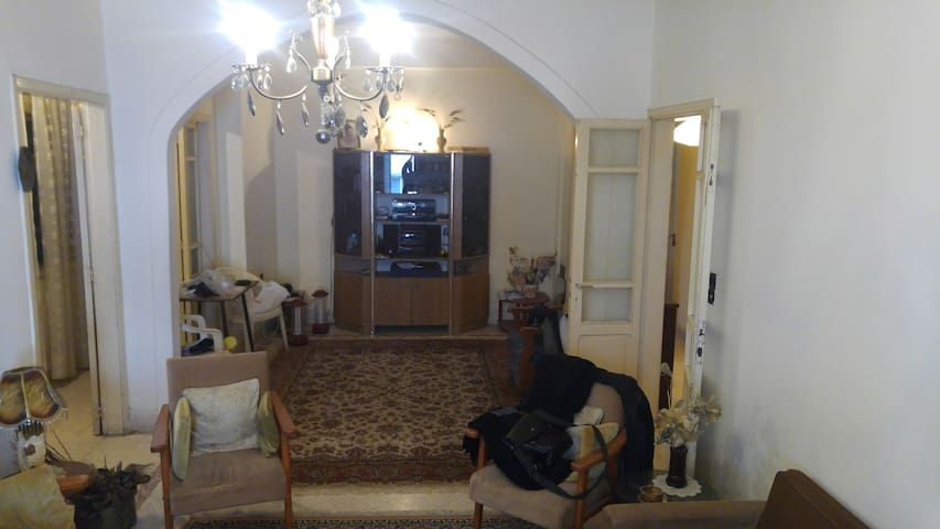 Cosy apartment in the middle heart of Beirut!