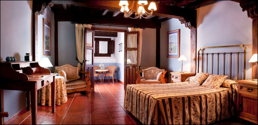 Acogedora Casa Rural en el Valle del Jerte - Cabezuela del Valle - Huis