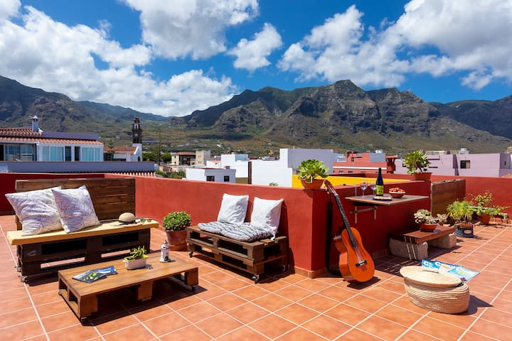 Roof top terrace with 360º views of Teno Rural Park, Teide and the Atlantic Ocean