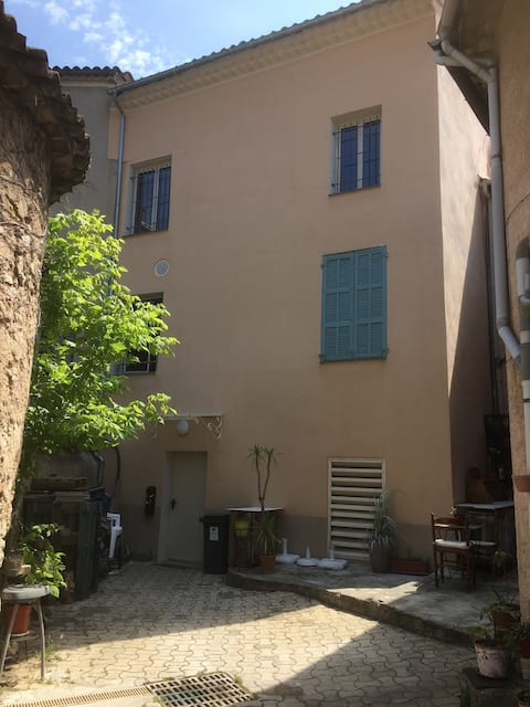 Couchsurfing CanapéLit neuf  160x200   1 ou 2 pers