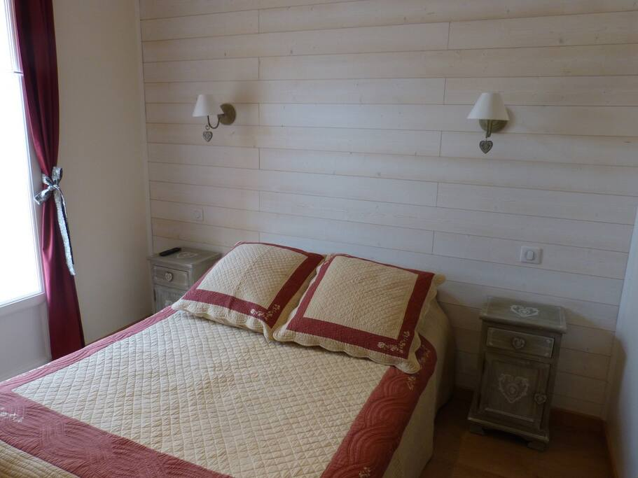 Chambre d 39 h te g te du pagoulin bed breakfasts for for Chambre hote hyeres