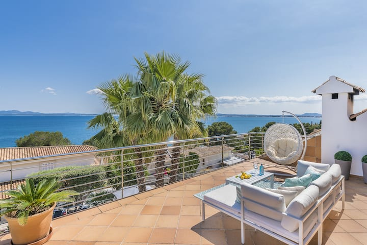 Villa Alcanada: Amazing sea views & fantastic pool