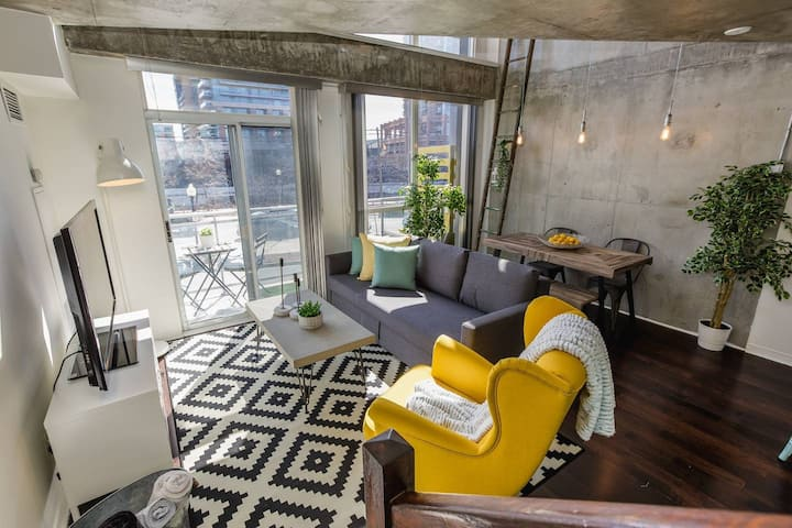 RATE DROP! -  Clean and Sanitized - Sunlit Luxury Loft on King West