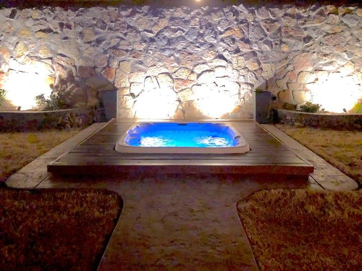 Desert Oasis Hot Tub 3 Bedrooms Easy Access I10