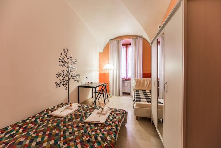 .Cozy & lovely room, near Colosseum!