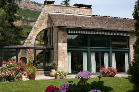 Villa la Pomarède - Millau