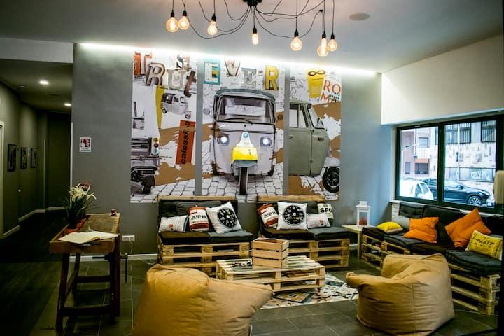 Hosteltrastevere Posto Letto Dormitorio Maschile 4 Ostelli In Affitto A Roma Lazio Italia