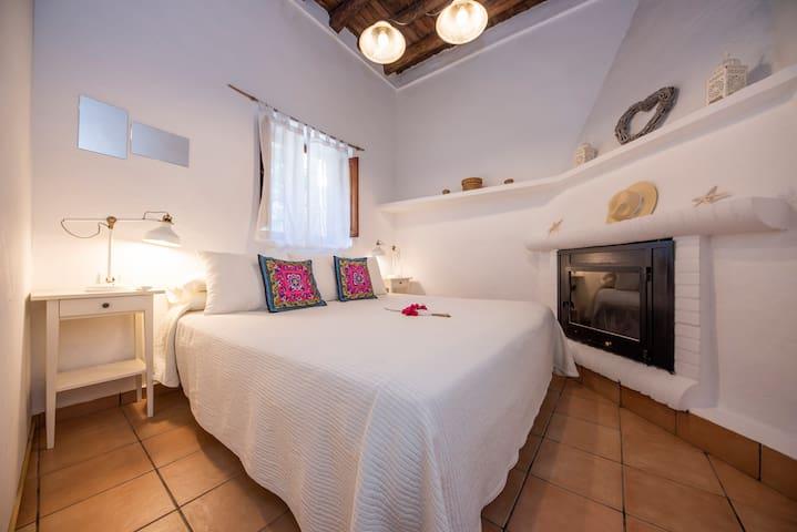 Vierbettzimmer-Ensuite Dusche-Terrasse-Mitjana