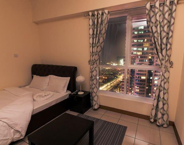 Room with privet balcony For Men in Dubai Marina.