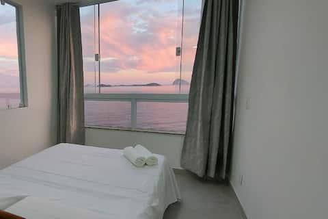 Casa com vista para o mar e perto das praias.
