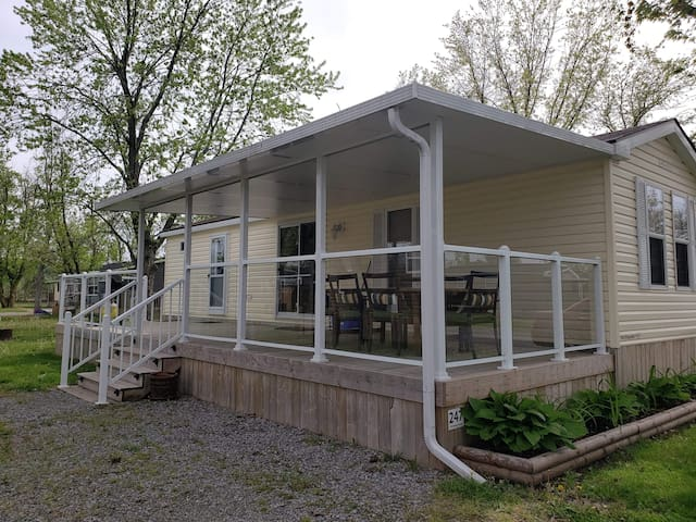 Affordable cottage  in Niagara