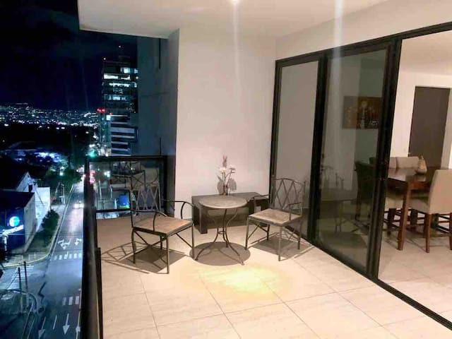 Torre 91, 3 habitaciones, terraza vista ciudad
