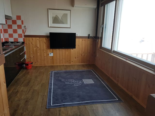 대탄 민박 (1층 - 4인실)