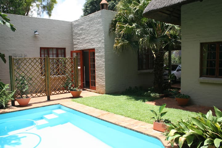 Comfortable cottage in peaceful neighborhood - Pretoria - Apartment