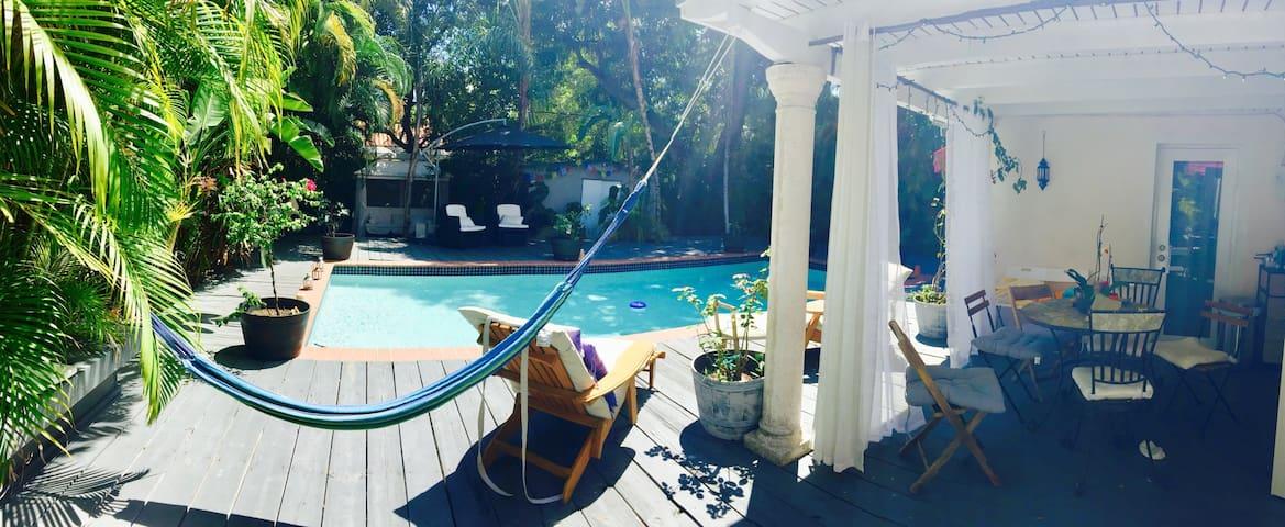 Room in beautiful Sanctuary w/pool!