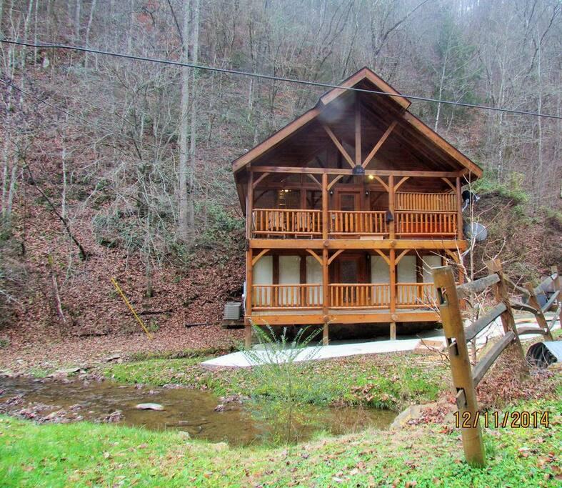 Creekside cabin caba as en alquiler en pigeon forge for Creekside cabins in pigeon forge tn