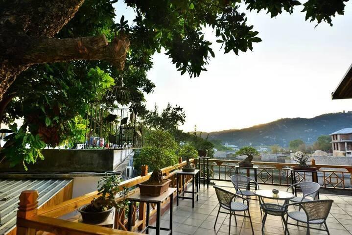 XiaMen  OZ  Hostel ,环岛路临湖小院。小阳台四人间 - 厦门 - Casa