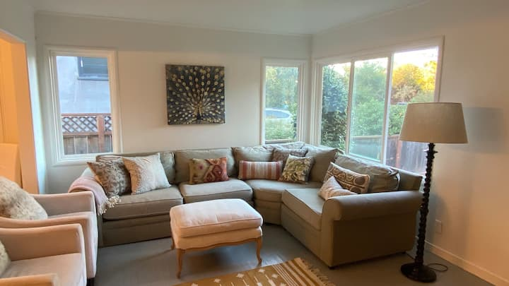 Super Cozy House in Charming Larkspur