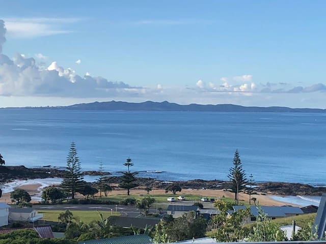 CBay Holiday Home - Spectacular 180˚ Views