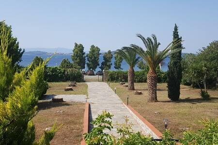 Seaside Villa at Tripiti Chalkidiki