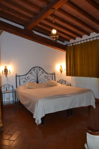 Apartment for two in Fienile number 2 - Tavarnelle Val di Pesa - Bed & Breakfast
