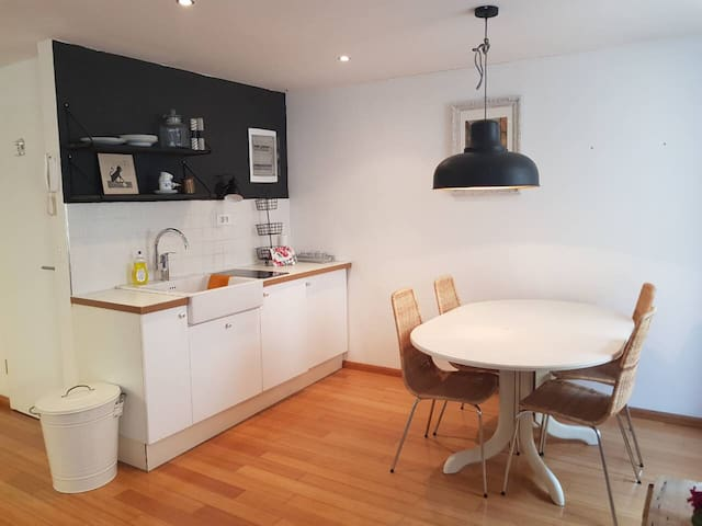 Cosy Apartment With Fantastic Location